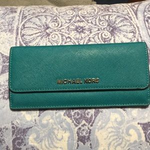 Michael Kors wallet new with no tags